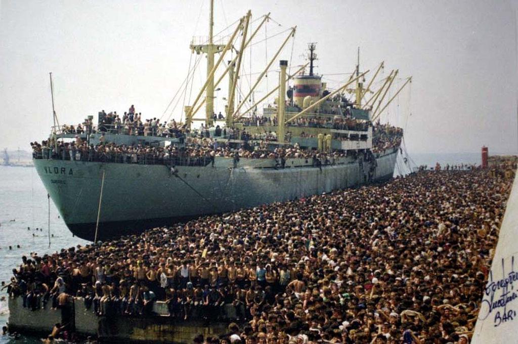 Výsledek obrázku pro foto albánie migrace
